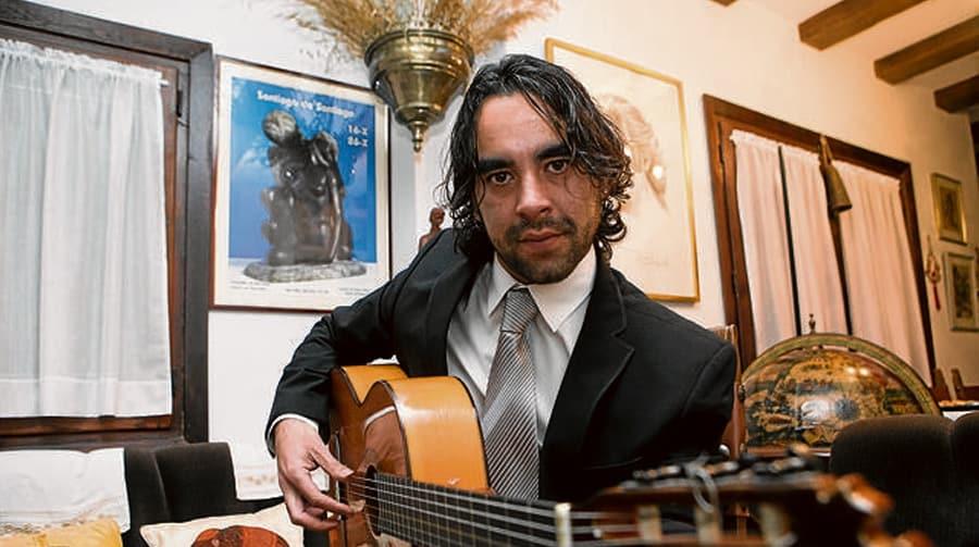 El guitarrista Dani Casares posa para ABC
